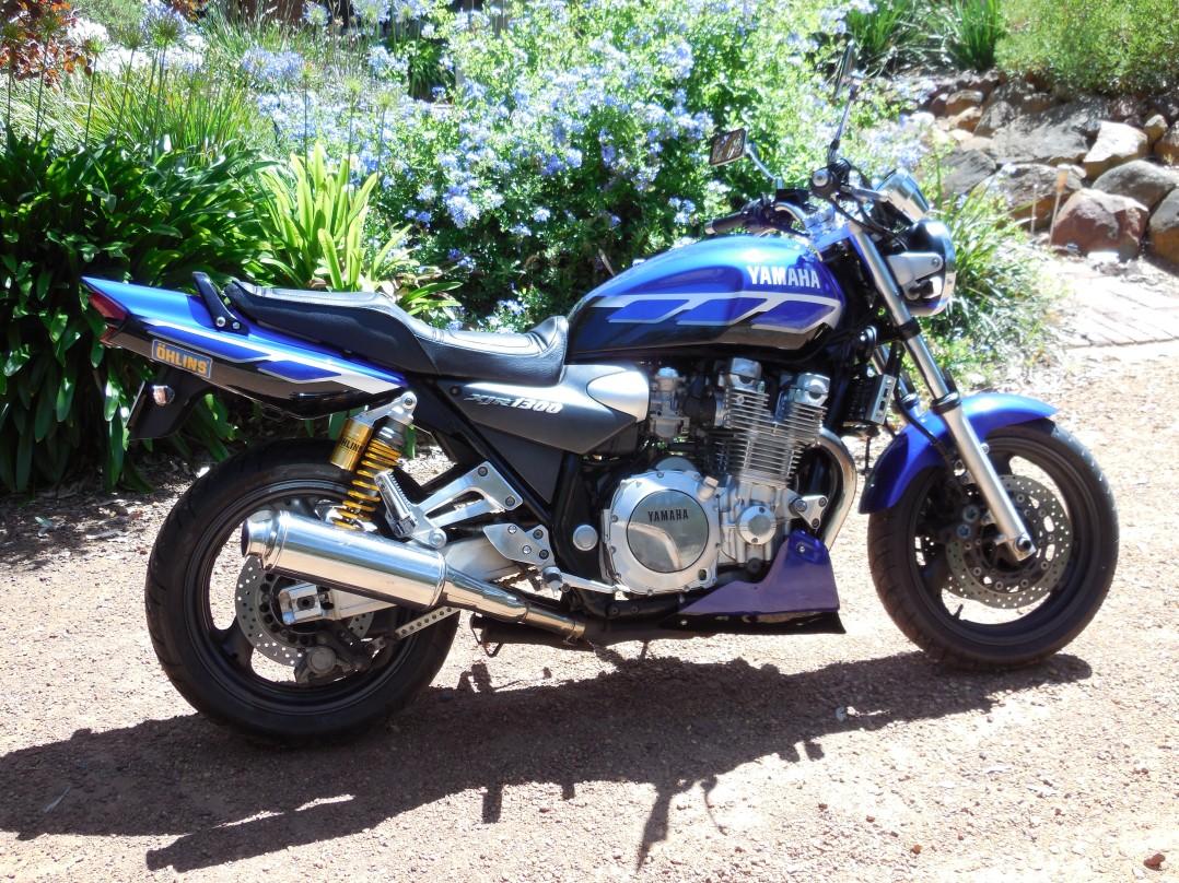 2000 Yamaha XJR1300
