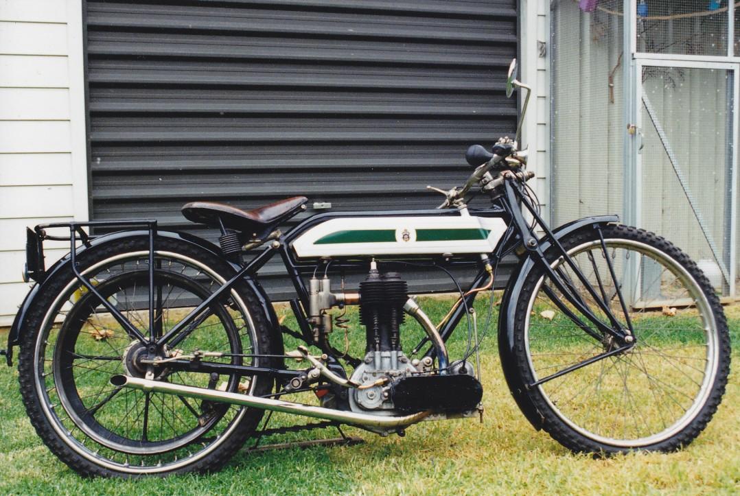 1914 Triumph TT Replica replica
