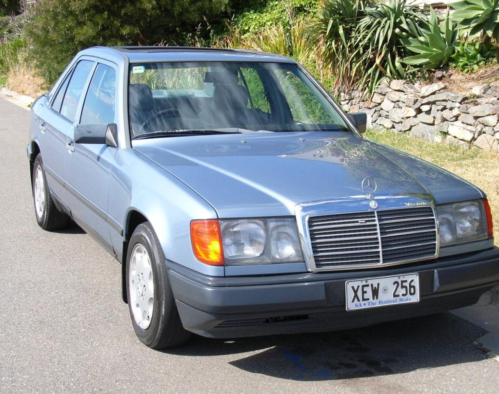 1988 Mercedes-Benz 300 E