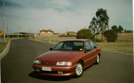 1990 Holden COMMODORE SS