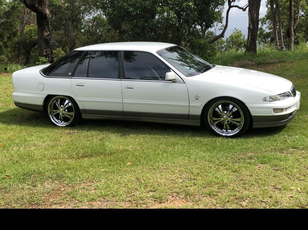 1997 Holden VS STATESMAN