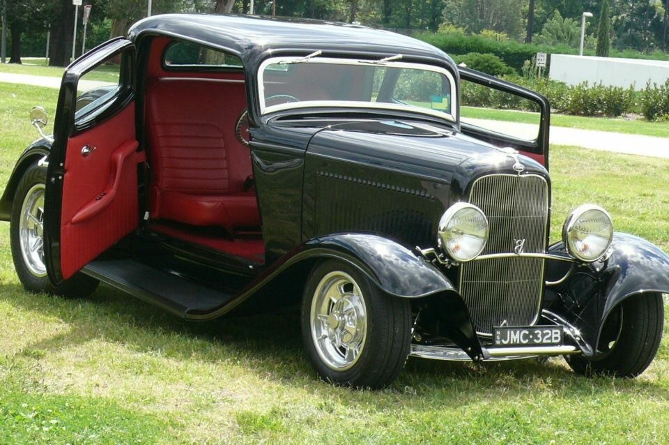 1932 Ford Model B 3 Window