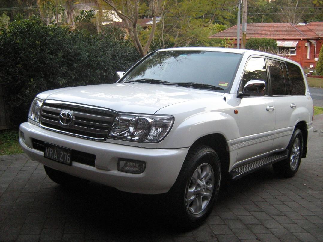 2006 Toyota LANDCRUISER (4x4)