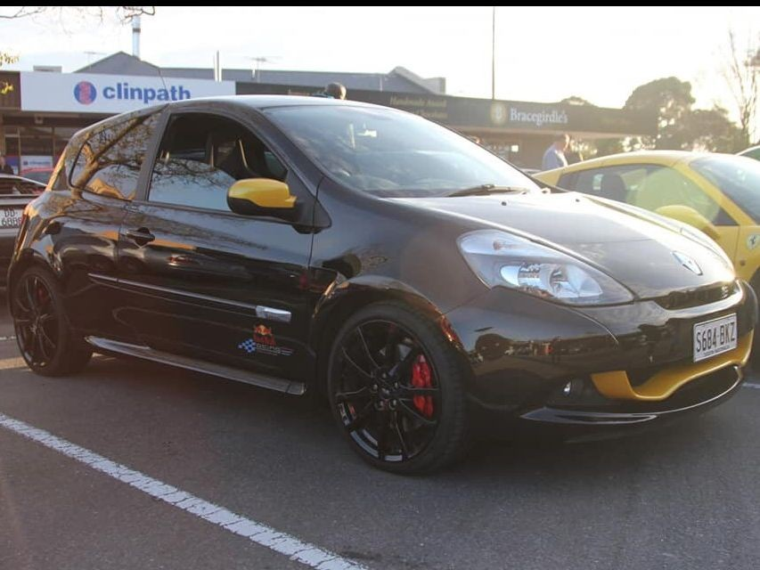 2012 Renault Clio RS Red Bull