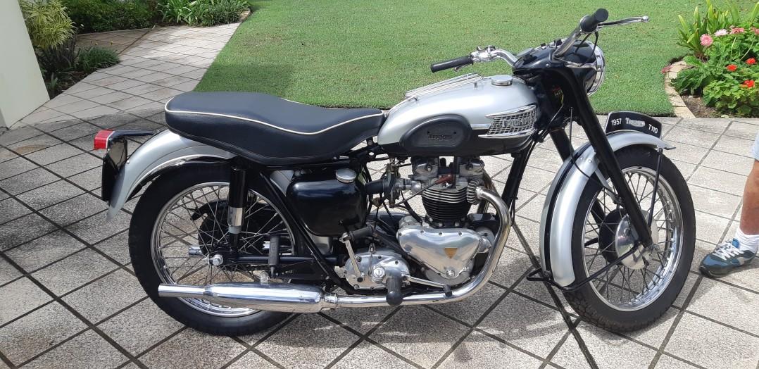 1957 Triumph T110
