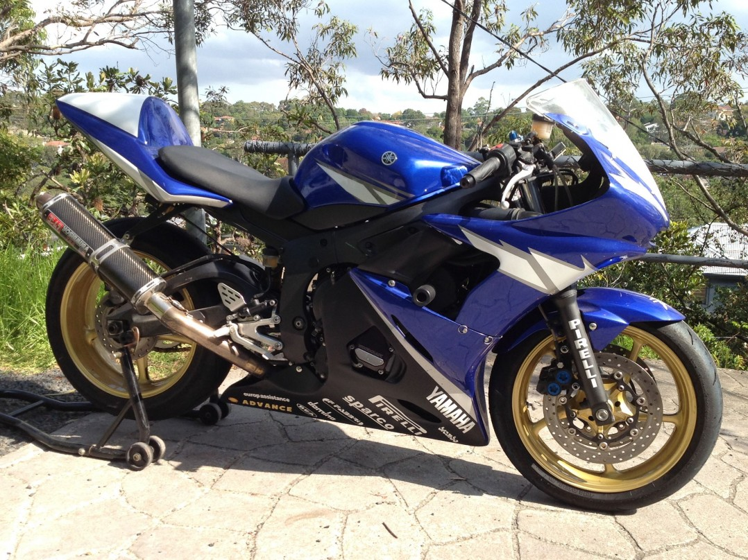 2003 Yamaha 599cc YZF-R6