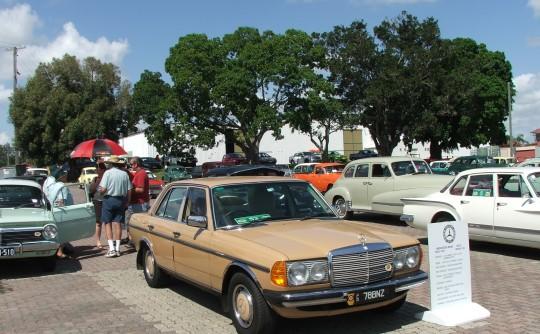 1978 Mercedes-Benz W123. 230