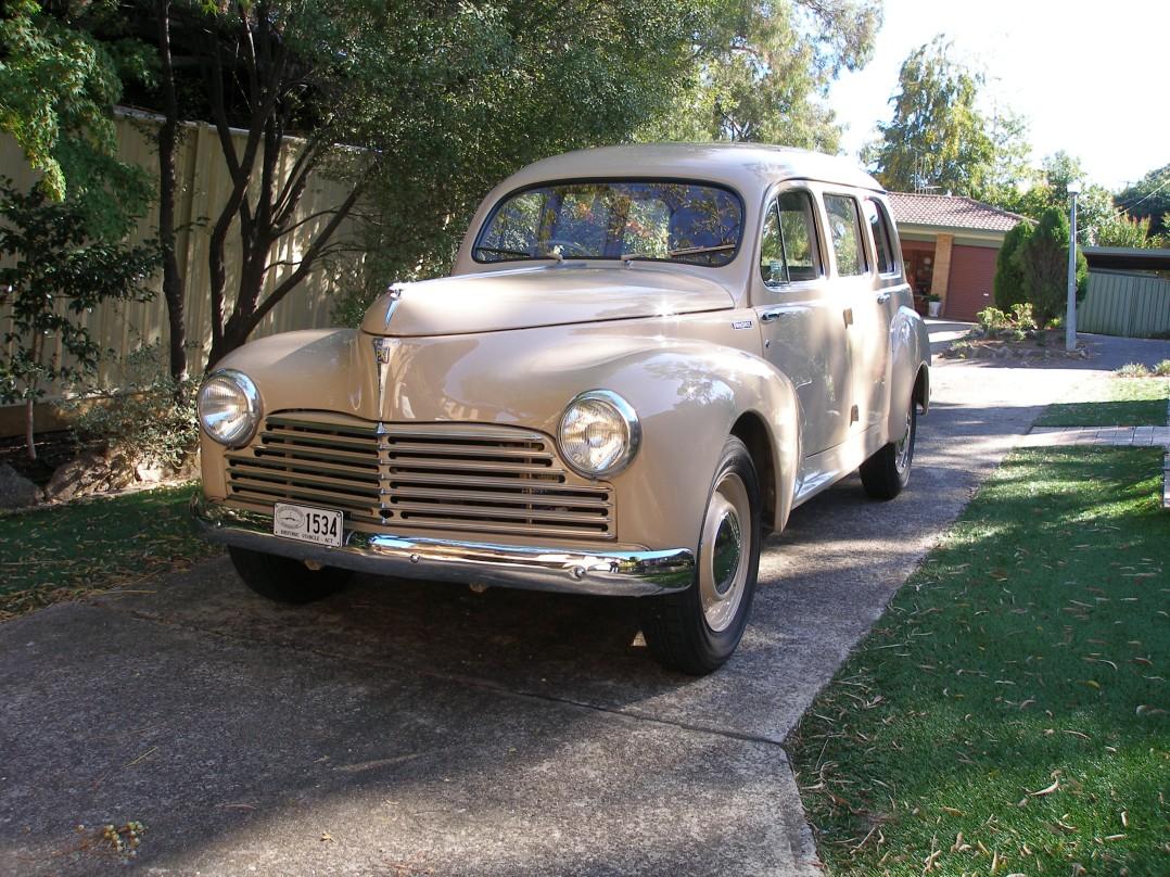 1954 Peugeot 203U6A