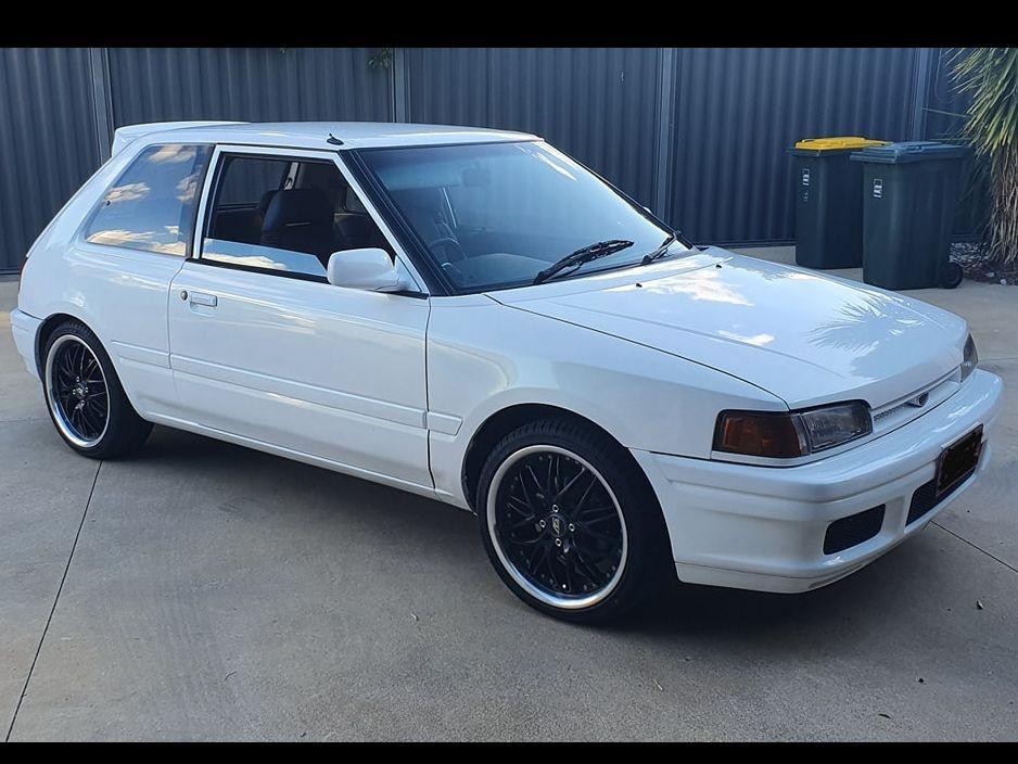 1990 Mazda Familia