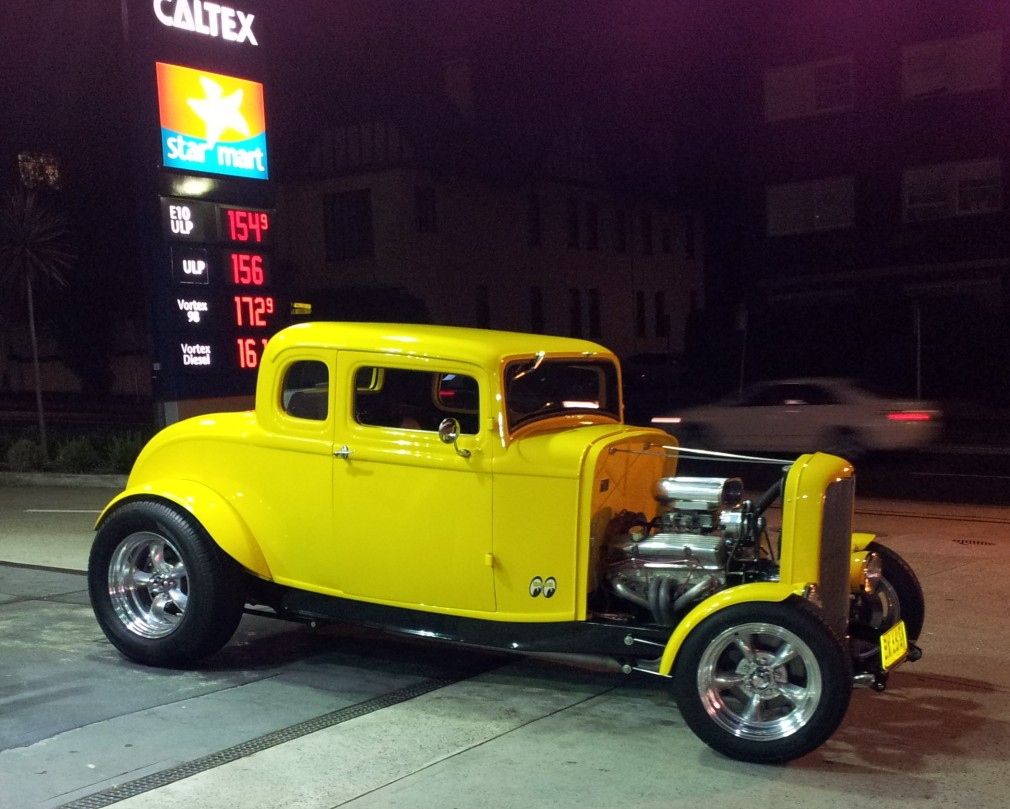 1932 Ford 5 window deuce coupe high boy