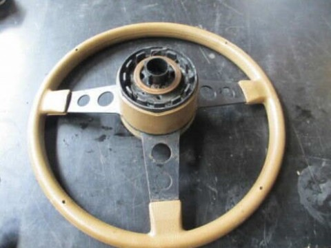 Hq Holden Horn Wiring Diagram: fitting gts steering wheel - Shannons Clubrh:shannons.com.au,Design