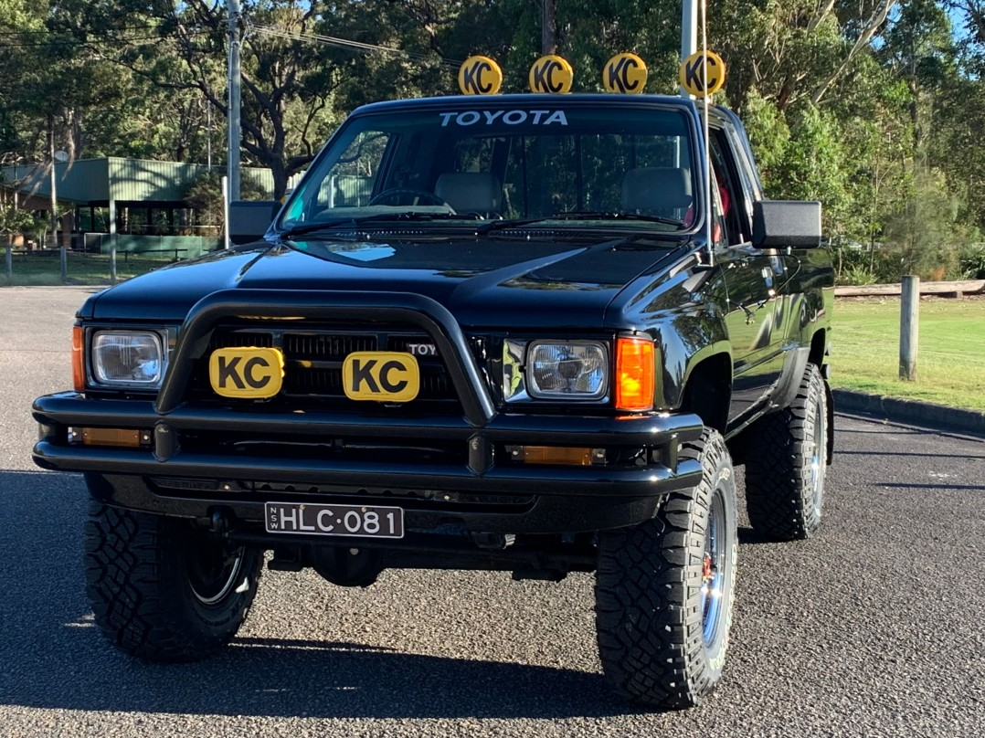 1985 Toyota HILUX SR5 - Back To The Future McFly Truck