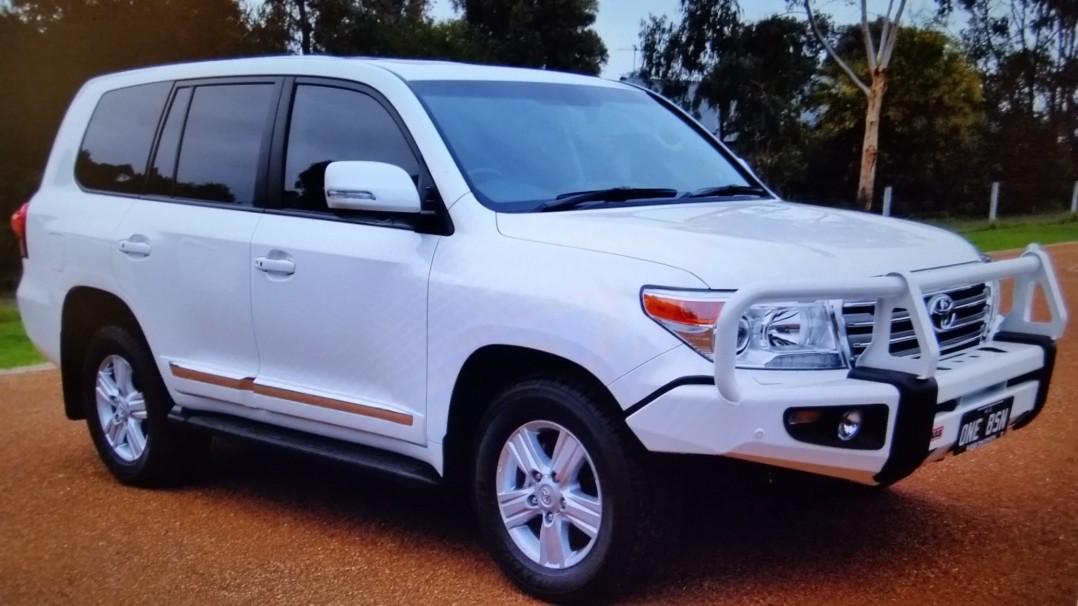 2014 Toyota LANDCRUISER (4x4)