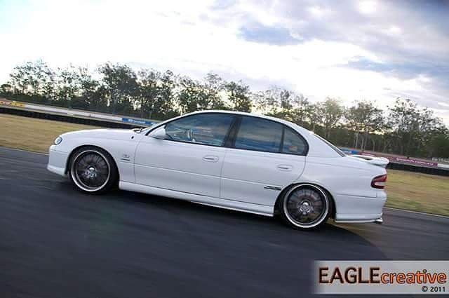 2000 Holden COMMODORE SS