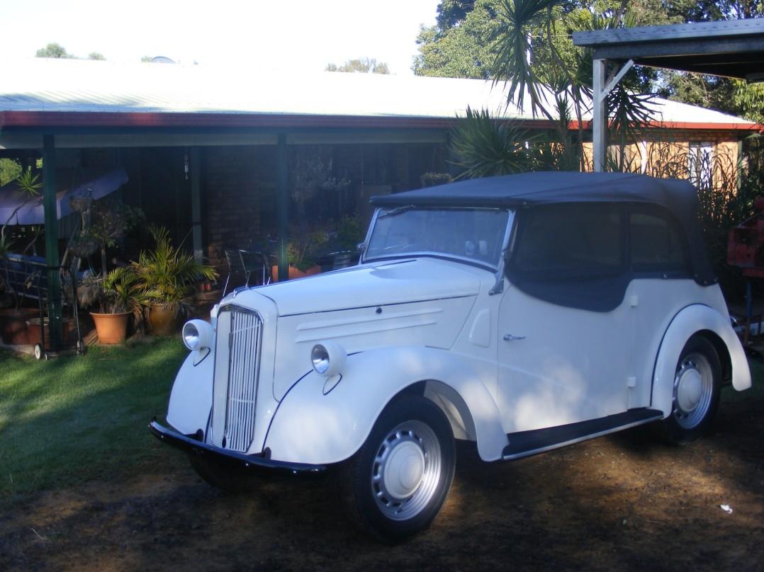 1948 Ford Anglia Tourer