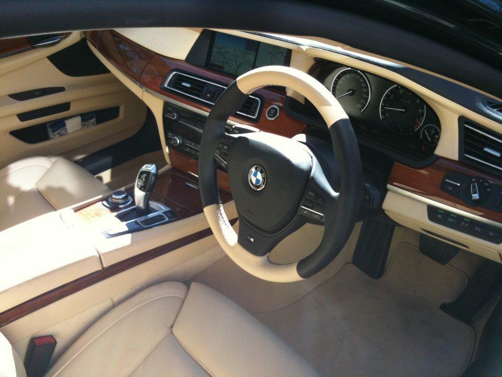 2010 BMW 750i M-SPORT