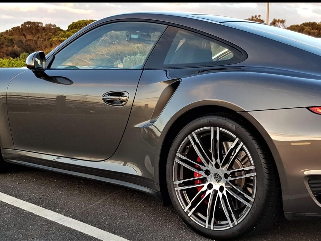 2015 Porsche 911 TURBO (4WD)