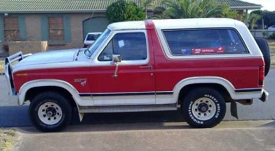1983 Ford BRONCO (4X4)