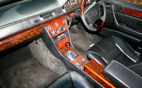 1994 Mercedes-Benz W124, E320
