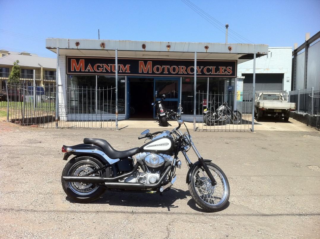 2008 Harley-Davidson softail standed