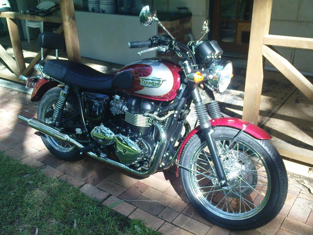 2009 Triumph Bonnyville T100