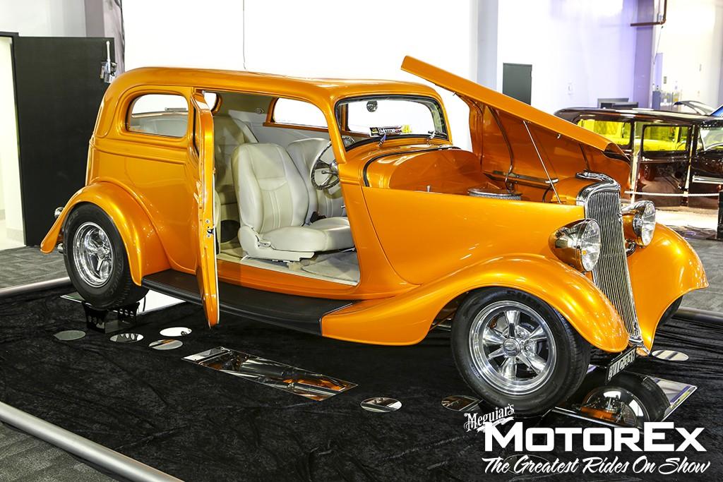 1933 Ford Victoria