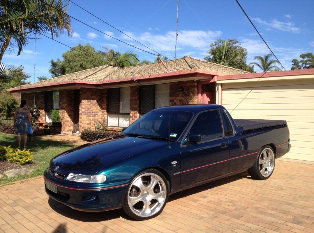 1997 Holden COMMODORE