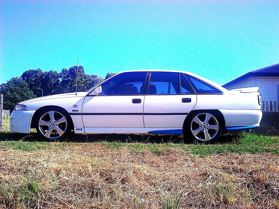 1991 Holden COMMODORE EXECUTIVE VP