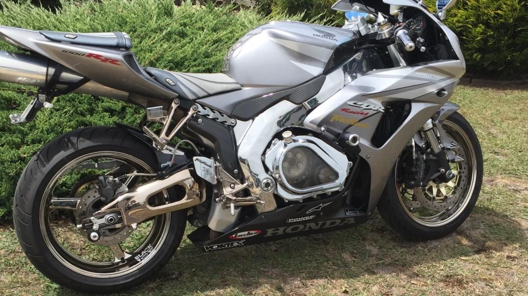2006 Honda 1000cc CBR1000RR (FIREBLADE)