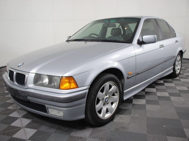 1997 BMW 318is