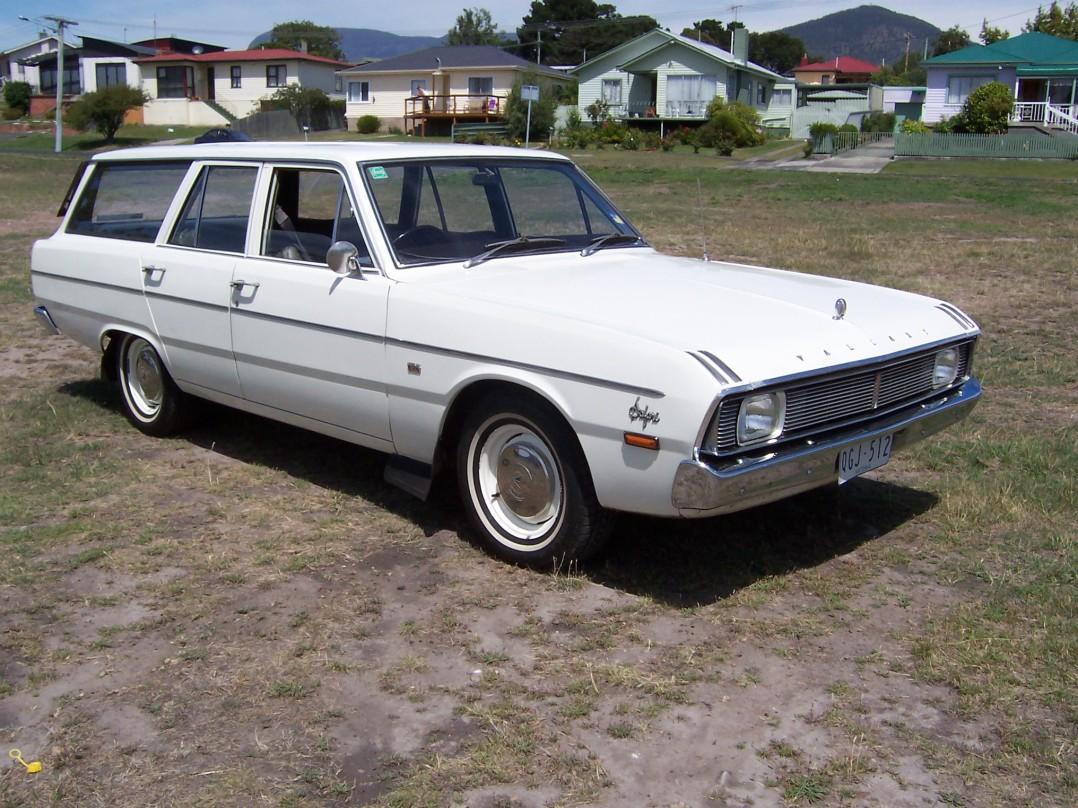 1970 Chrysler Valiant Safari