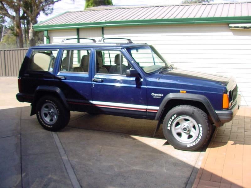1995 Jeep CHEROKEE SPORT (4x4)