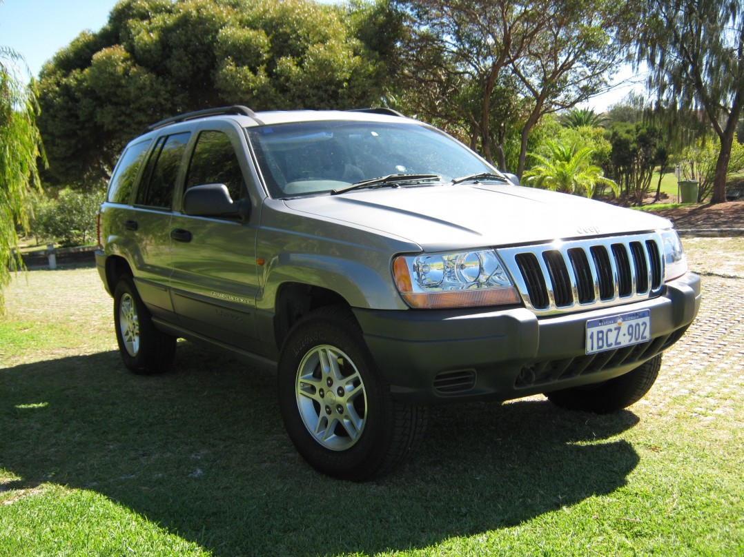 2002 Jeep GRAND CHEROKEE LAREDO (4x4)