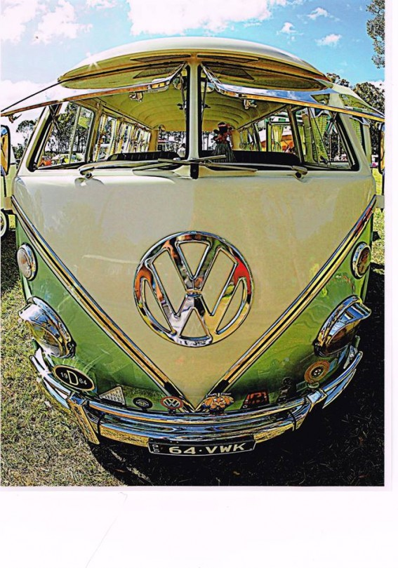 1964 Volkswagen 13 Window Deluxe Kombi