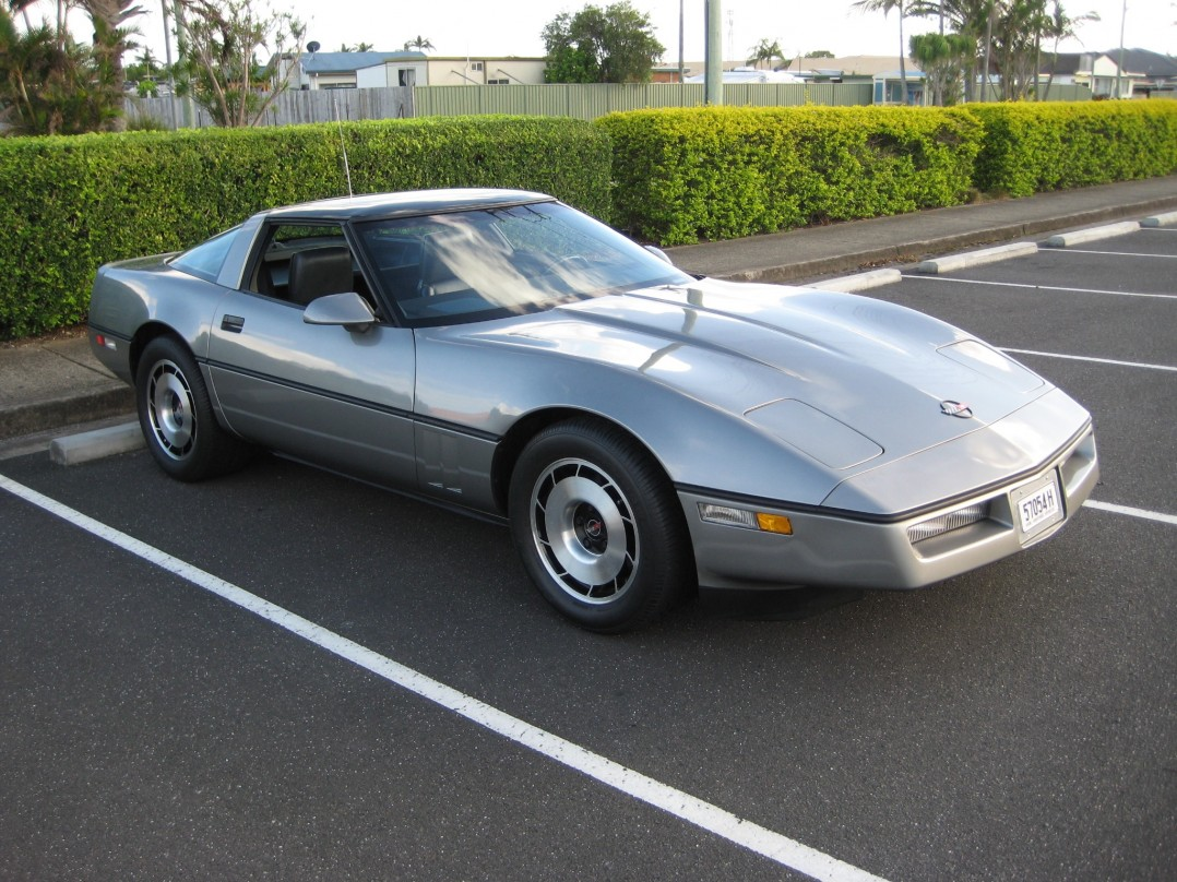 1985 Chevrolet CORVETTE STINGRAY