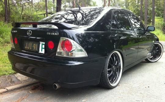 1999 lexus IS200