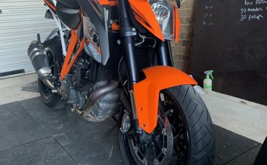 2014 KTM 999cc 990 SUPER DUKE R