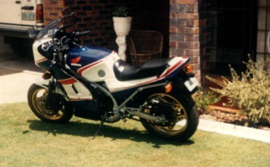 1985 Honda VFR750