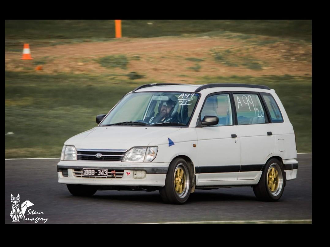 1998 Daihatsu PYZAR GRV