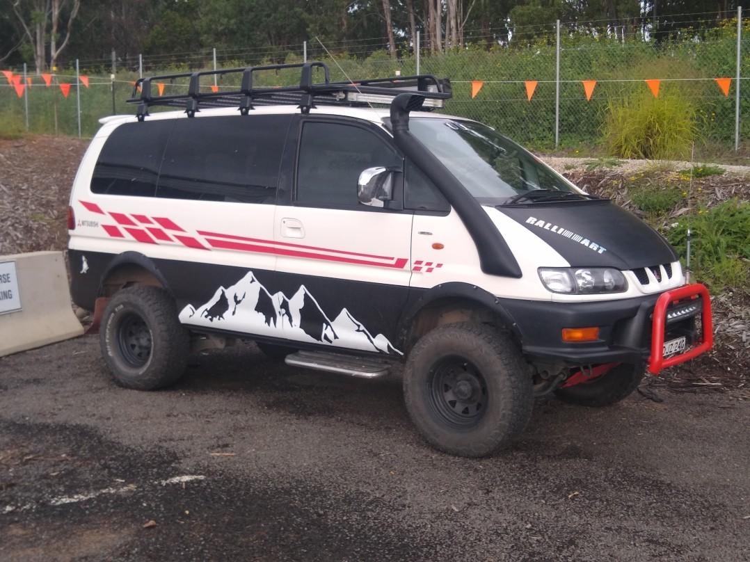 2001 Mitsubishi DELICA CHAMONIX