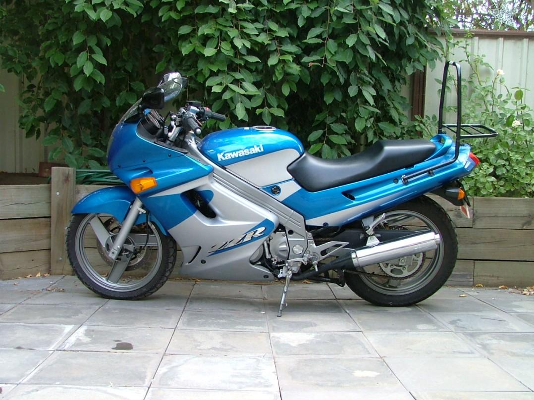 2001 Kawasaki ZZR-250