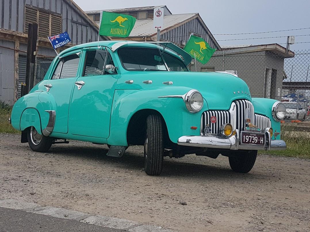 1951 Holden 48-215