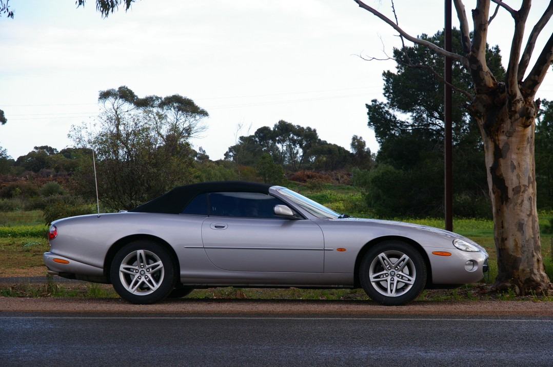 2003 Jaguar XK8 CLASSIC