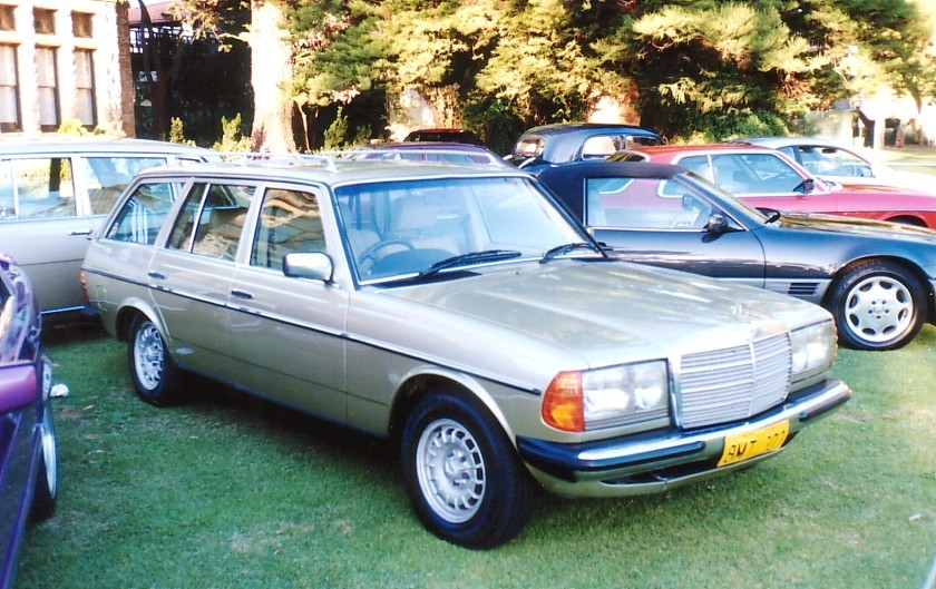 1985 Mercedes-Benz 230TE