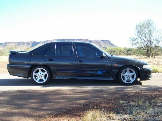 Holden VN Commodore SS Group A: Taking a pocket knife to a