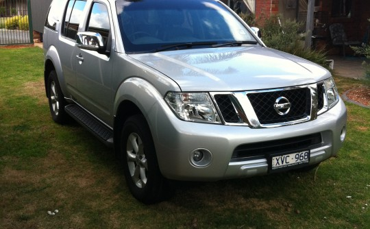 2010 Nissan Pathfinder ST-L