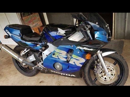 2000 Honda CBR250RR MC22